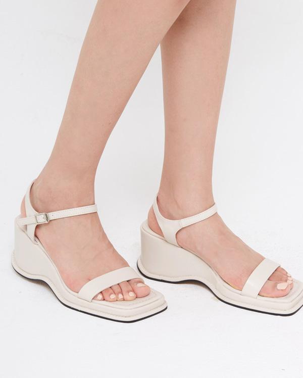 jade platform sandal