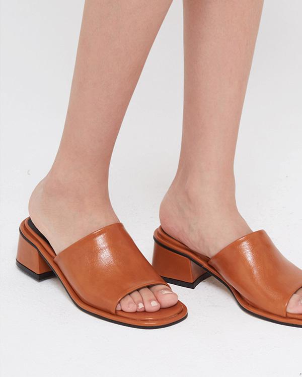 bold luster mule heel (225-250)