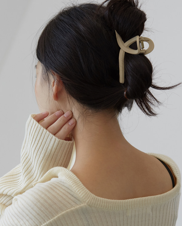 the simple hair pin