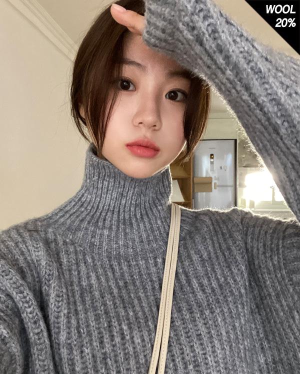 signature wool pola knit