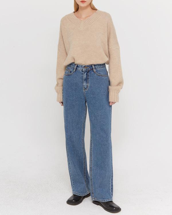 combine mild v-neck knit
