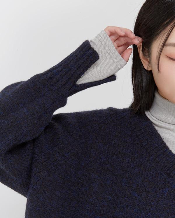 angora combine and v-neck  knit