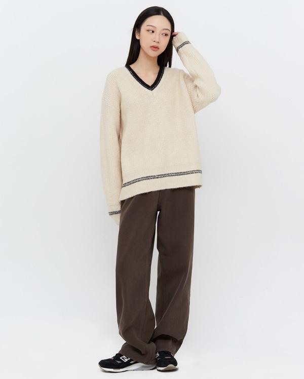 asome line v-neck knit