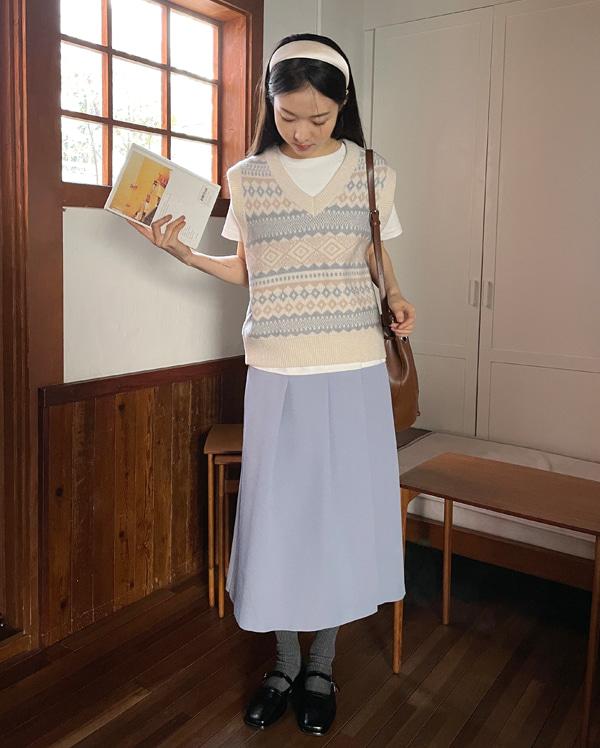 soft jacquard knit vest