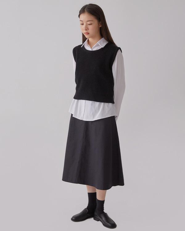 pepper round wool vest