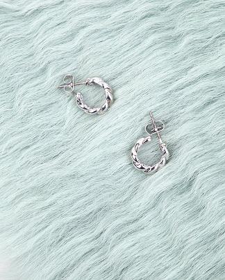classic mini twist earring