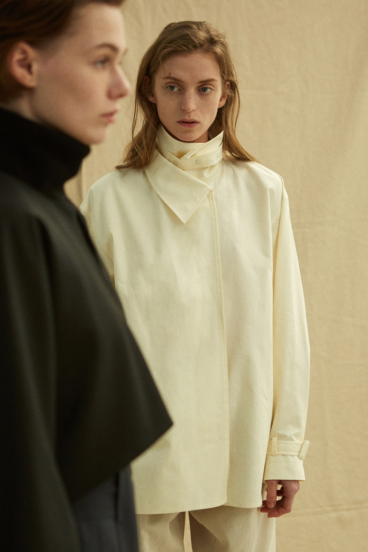 <u>SHOP</u><br>19FW Double collar shirts - Cream