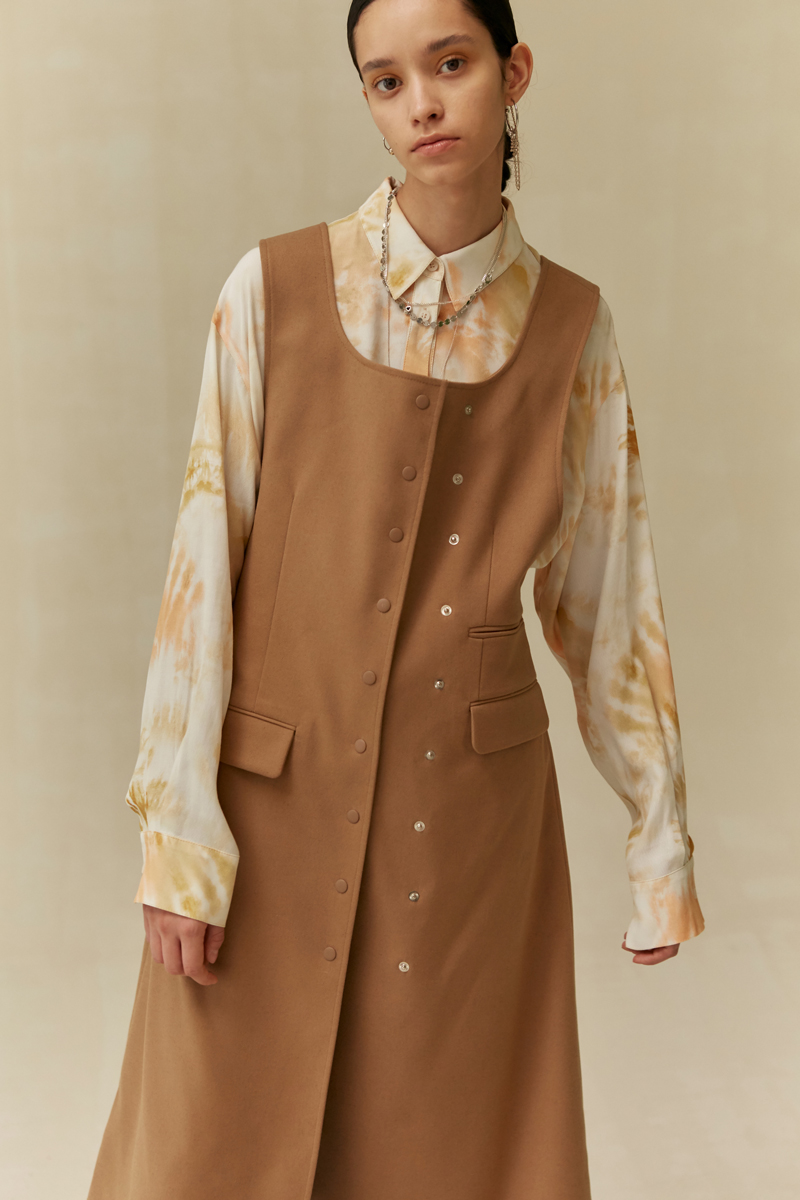 19 FALL LOCLE Snap dress - camel