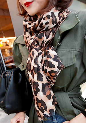 レオパード柄ロングスカーフ