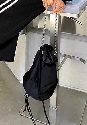 チェーンストラップバケットバッグ