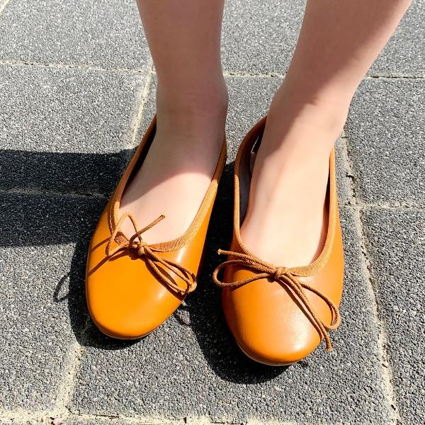Various flat shoes (22 colors)