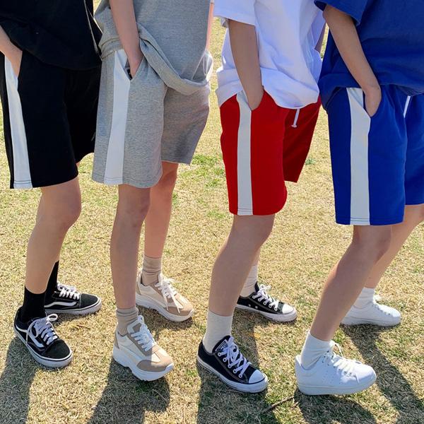 Different color training pants