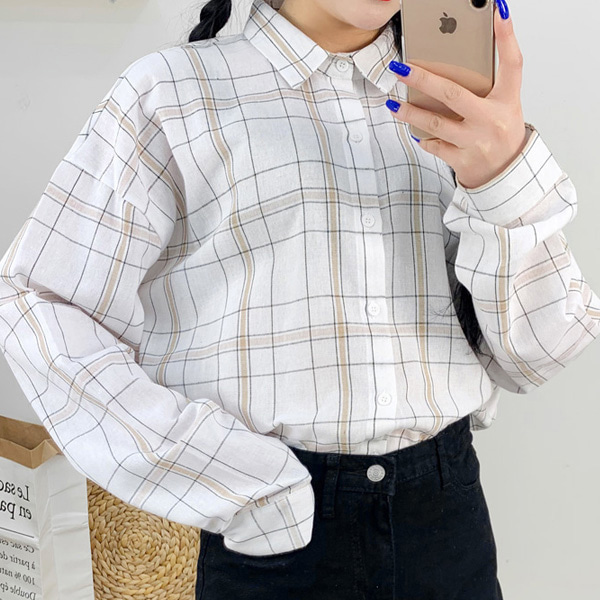 Large checked long-sleeved shirt