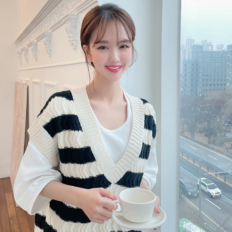 Super Surprise Stripes Knit Vest_CHVK20DS05