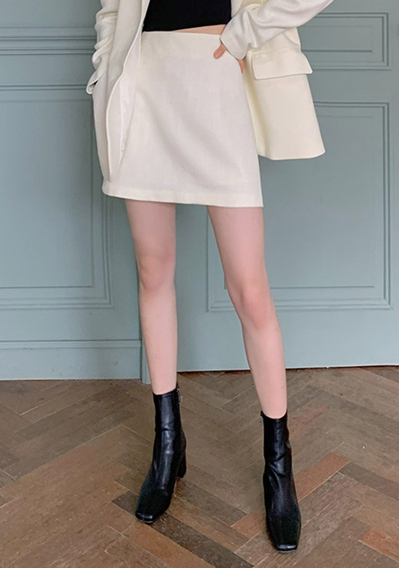 The Perfect Meeting Mini Skirt_H66168