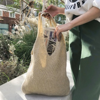 Dabagirl Cutout Handle Knit Tote Bag