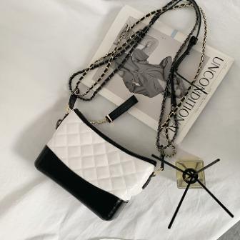 Dabagirl Chain Strap Quilted Shoulder Bag