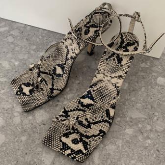 Dabagirl Toe Loop Heeled Ankle Strap Sandals