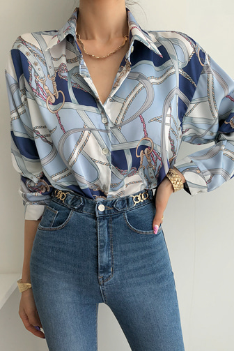Dabagirl Chain Print Blouse