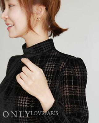 [러패독점][예약만 가능] 블랙스완 벨벳 체크블라우스