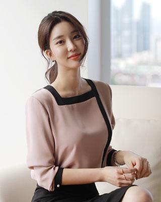 [방송협찬][후기246개]틴-스퀘어 배색블라우스(3color) 브라운,핑크,아이보리