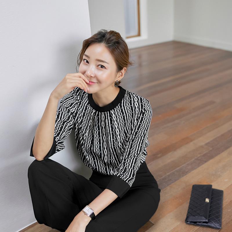 [후기121개]몽블 체인 배색 블라우스(2color) 블랙,화이트