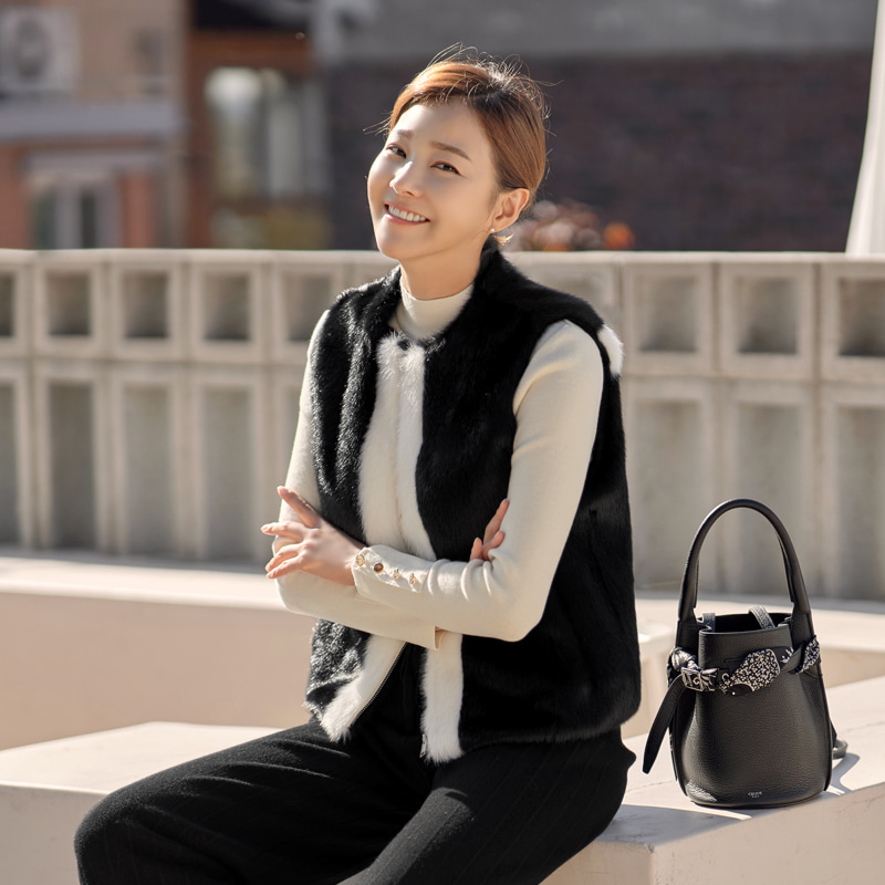 로즌 배색 에코퍼 베스트(2color) 샌드베이지,블랙♥ 당일 배송중 ♥