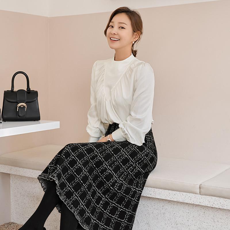 배우 '리지,한지민'/아나운서 협찬포이 셔링 블라우스(2color) 베이지,아이보리