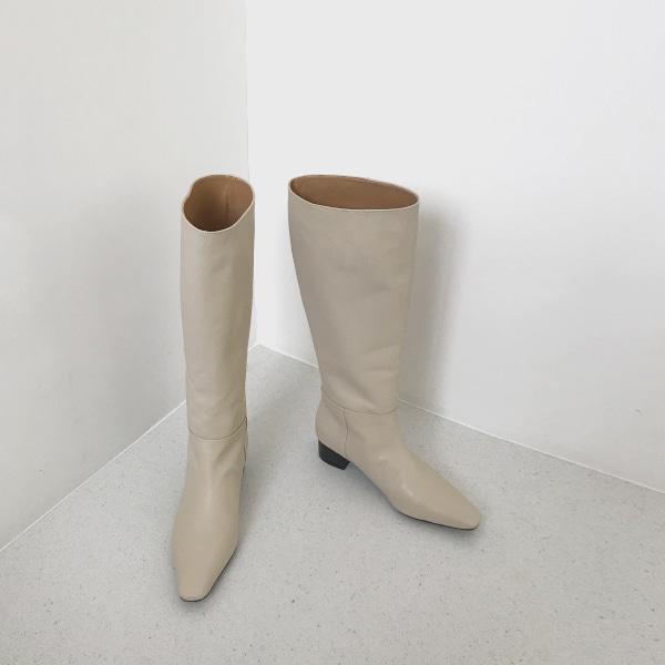 castle-boots