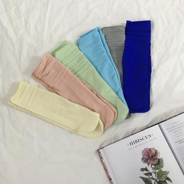 Rolled Edge Solid Tone Socks