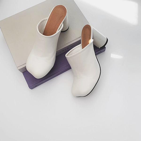 Rounded Square Toe Mules