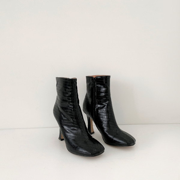 Square Toe Textured Ankle Boots