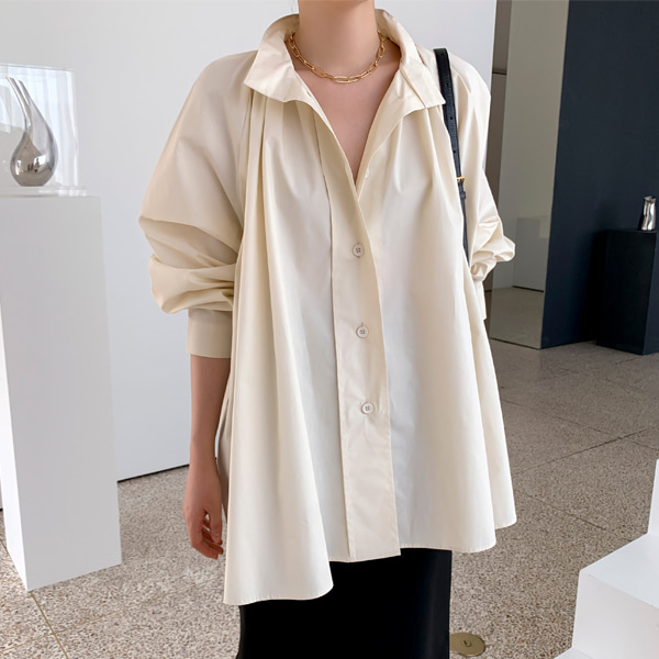Pleat Accent Loose Blouse