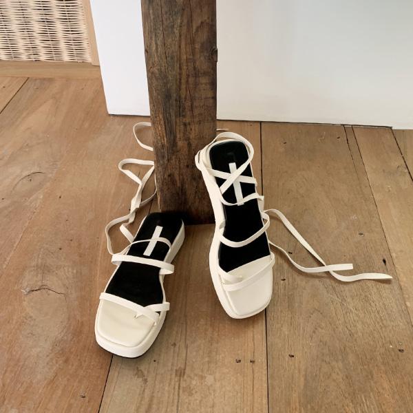 hold strap-sandal