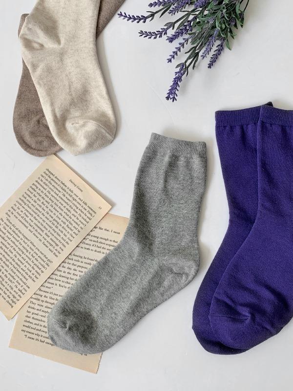自在百搭多色款中筒襪