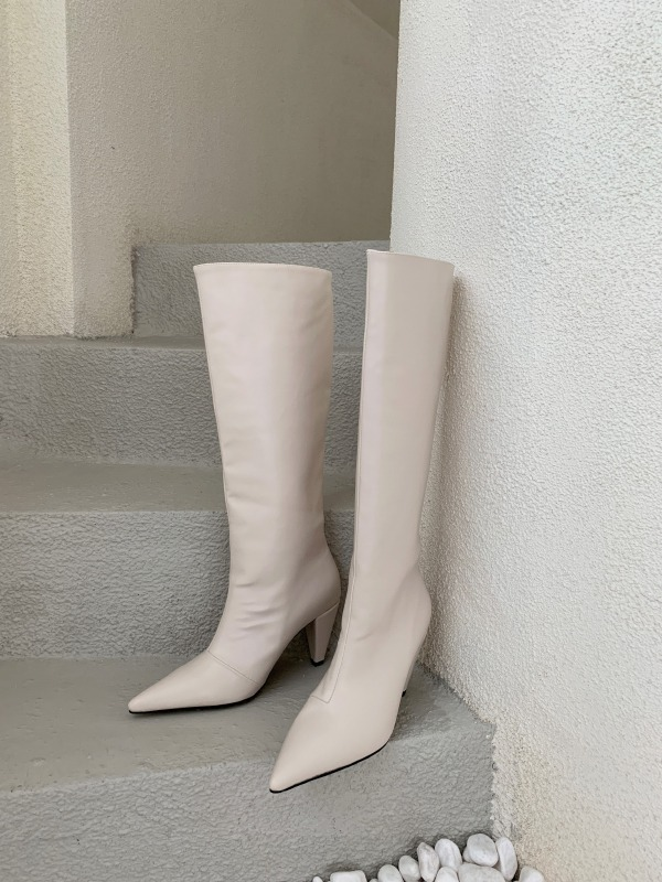 Knee-High Pointed Toe Boots