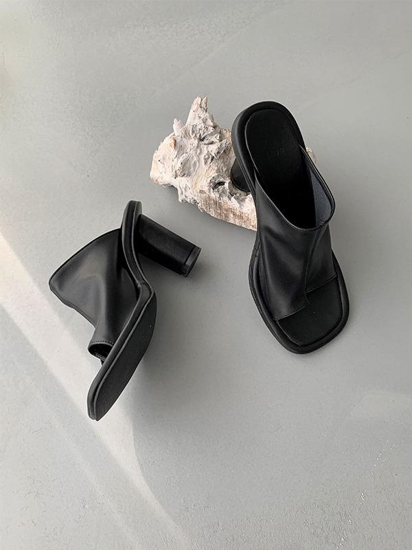 Square Toe Leatherette Mules