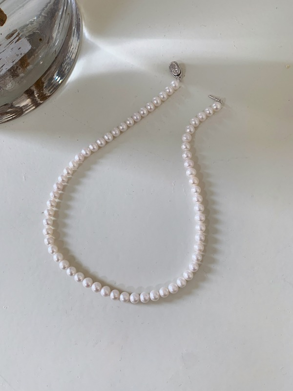 Pop Style Clasp Pearl Necklace