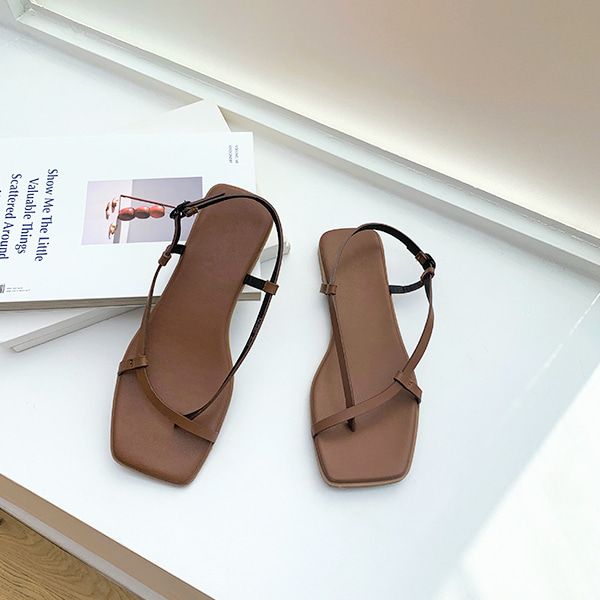square toe-sandal