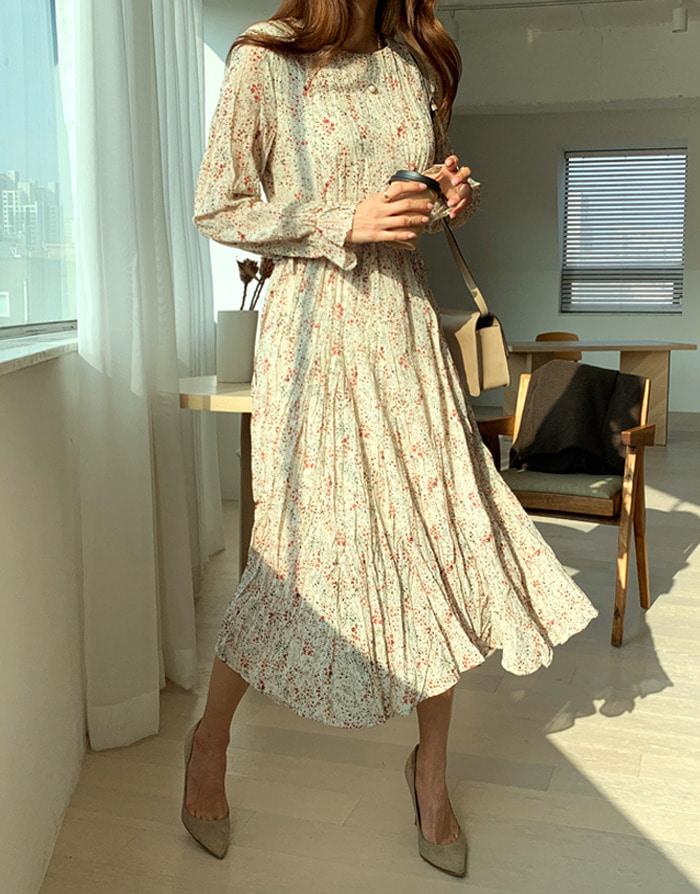 系带束腰褶皱碎花长款连衣裙