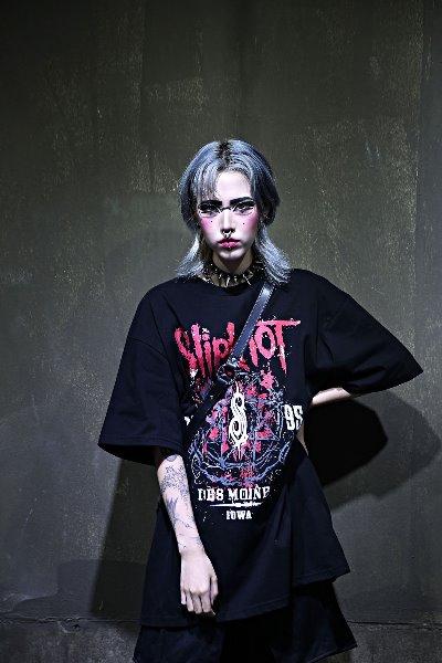 ByTheRユニークロゴコットンTシャツ