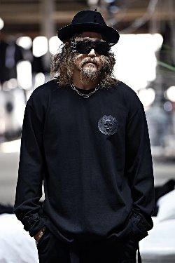 ByTheRベルトポイント長袖Tシャツ