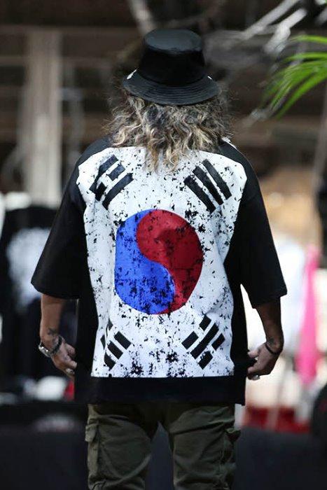 ByTheR Korea Taegeukgi Flag Loose Fit Short Sleeve Tee Black