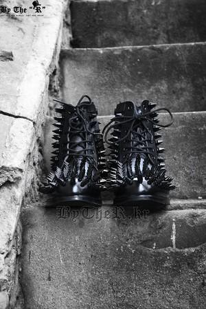 ByTheR鉚釘裝飾軍靴