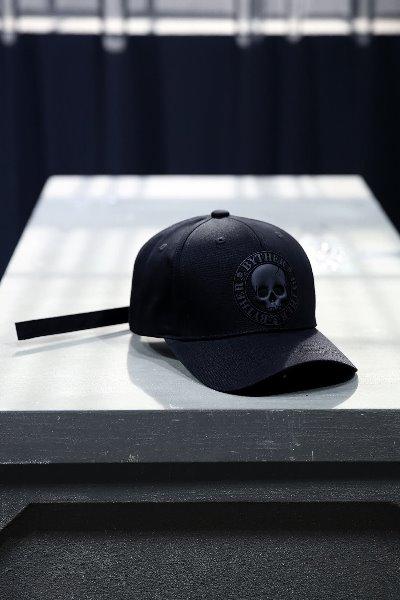 ByTheR 黑骷髅标记棉鸭舌帽