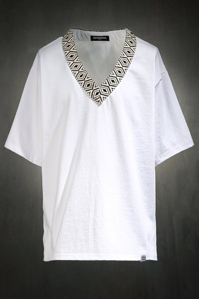 Mukha Ethnic Pattern V-Neck Short Sleeve Tee