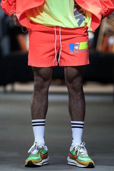 霓虹色夜光字母短裤