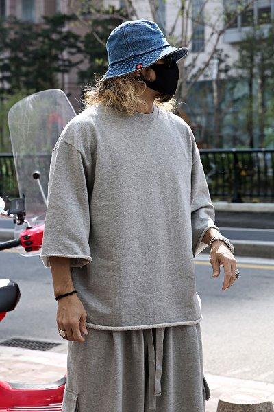 Cut Detail Loose Fit 7 T-shirt