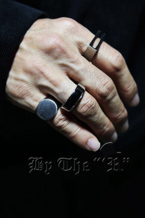 ByTheRBlack Square Gemstone Round Ring
