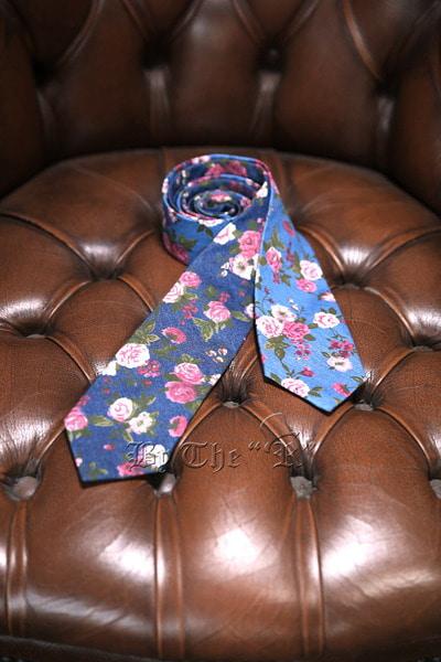 ByTheRRose Floral Denim Tie